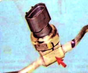 Замена датчика давления фреона