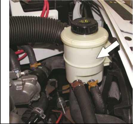 Проверка уровня жидкости в бачке гидроусилителя рулевого управления